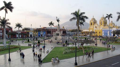 Trujillo-Plaza-de-Armas-vista-panoramica